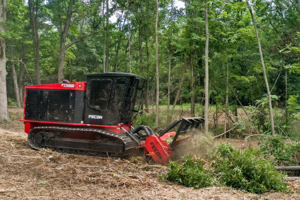Fecon-FTX200-Forestry-Mulcher-Tractor-2