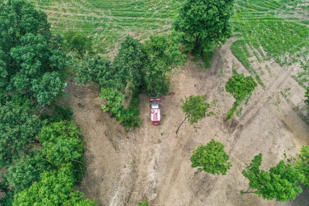 Fecon-FTX200-Forestry-Mulcher-Tractor-4
